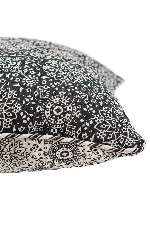 Zagros Cotton Cushion (Charcoal)