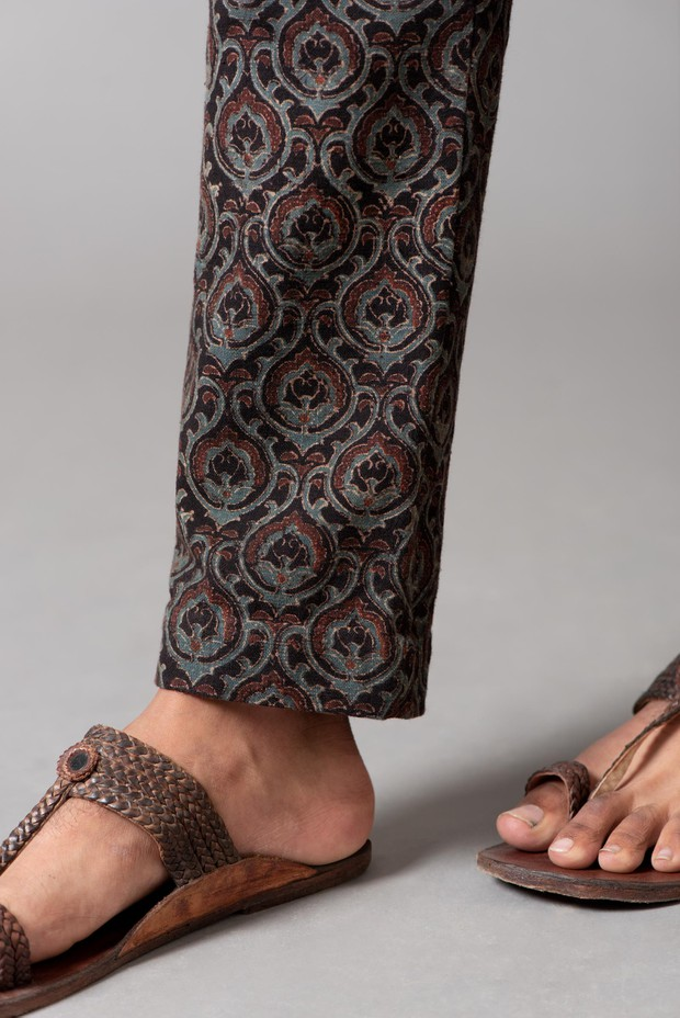 Marrakech Adhoi Malkha Pant (Siyahi Madder)