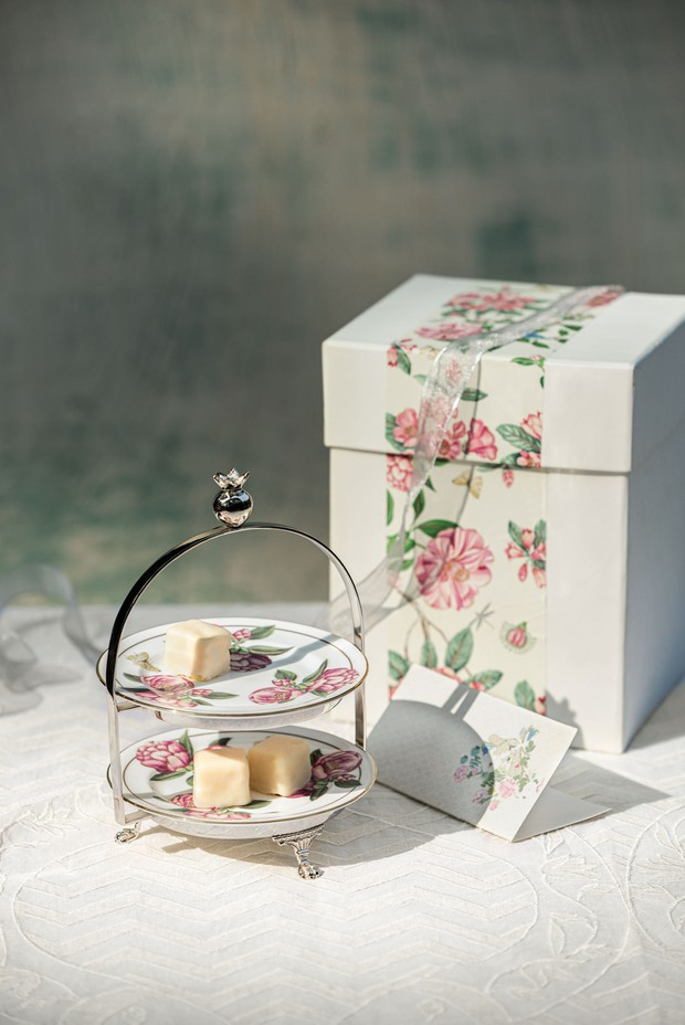 Set of 3- Camellia Tea Plate with Stand